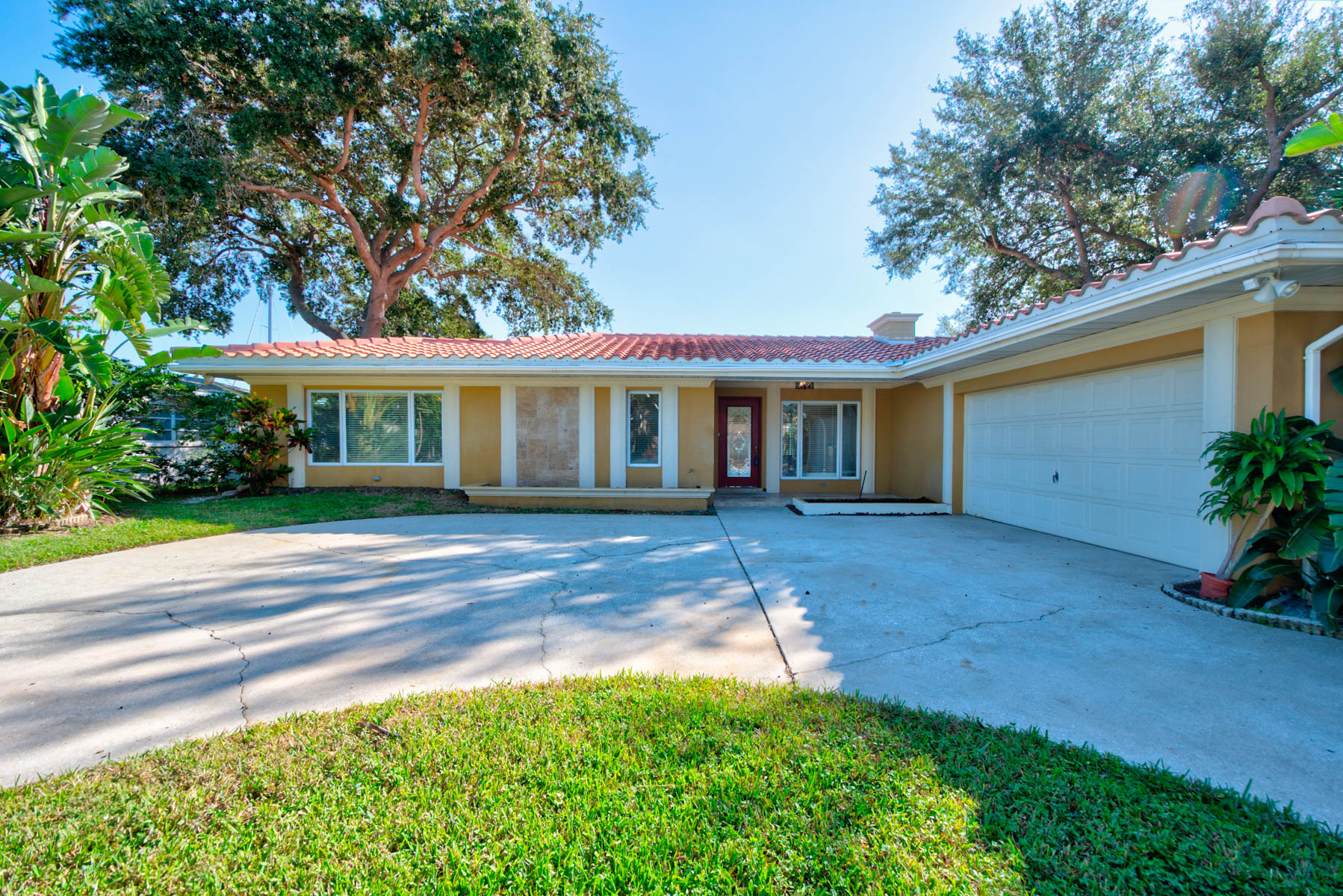 SOLD FOR $700,000:  125 LEEWARD ISLAND, CLEARWATER BEACH FL 33767