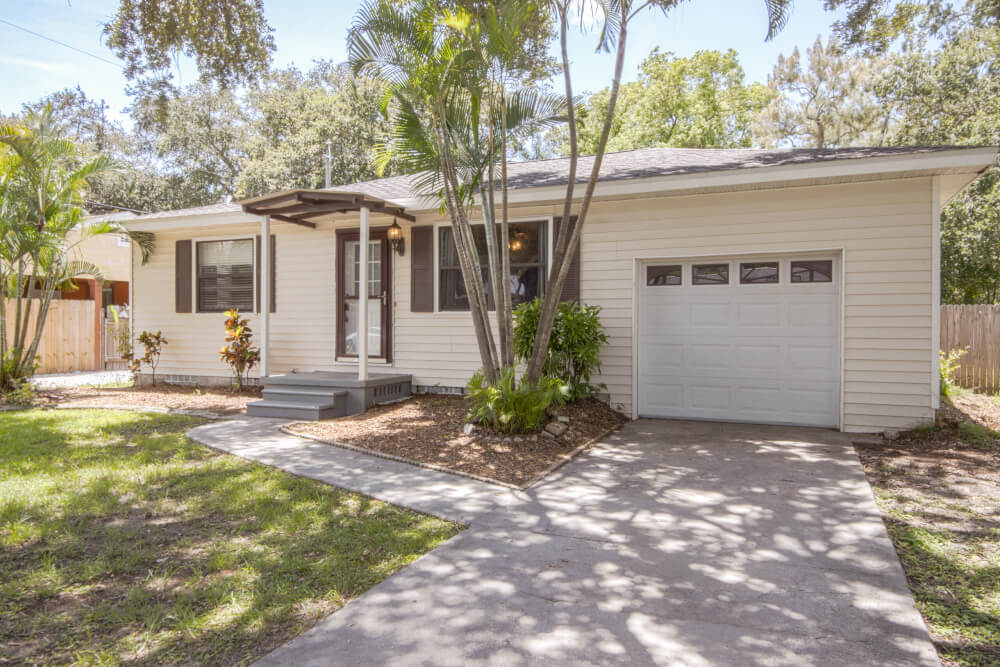 Read more about the article SOLD IN ONLY 6 DAYS!!! 1963 MCKINLEY ST, CLEARWATER, Florida 33765